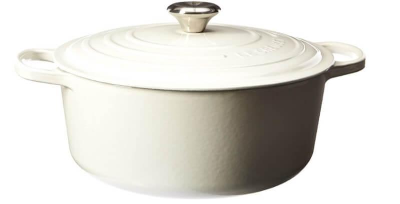 Le Creuset 7.25 quart signature round Dutch oven - white